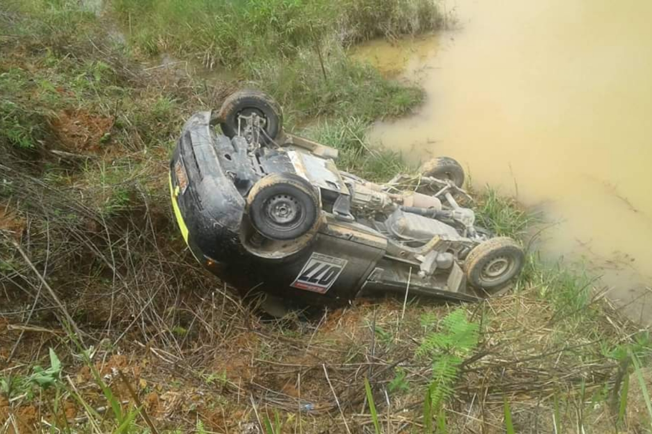 BreakingNews: Mobil Pick Up Mengalami Kecelakaan Lalulintas di Wilayah Desa Balabatu Mamasa