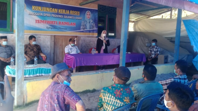 Reses Ismiwati Ramlan Anggota DPRD Provinsi Sulbar di Desa Mesakad