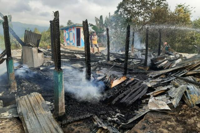 Rumah Rata Dengan Tanah, Kades Pebassian Berharap Bantuan Dari Pemda Mamasa