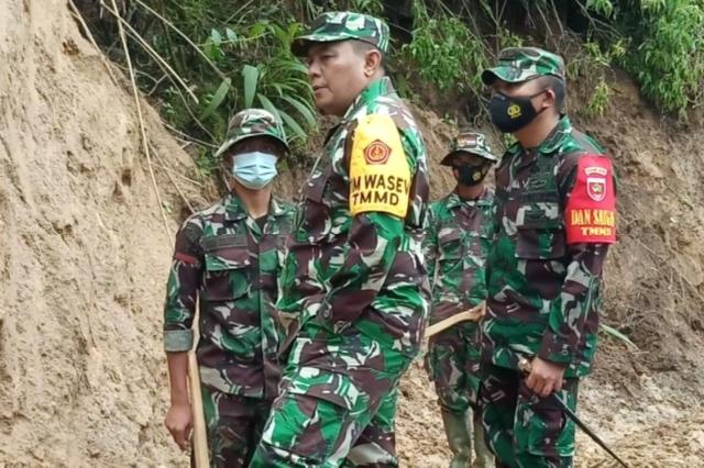 Menapak Jejak TMMD, Jenderal Satu Bintang Berkunjung di Pinggiran Kabupaten Mamasa